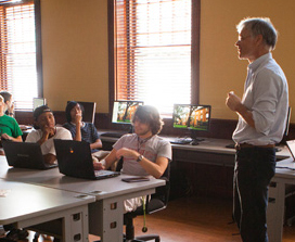 A lecturer teaching at Stetson university.